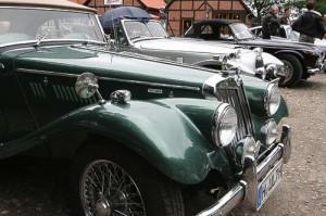Oldtimer-Parade mit englischen Klassikern