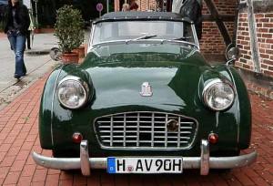 Auch mit geschlossenem Verdeck eine gute Figur - der Triumph TR 3