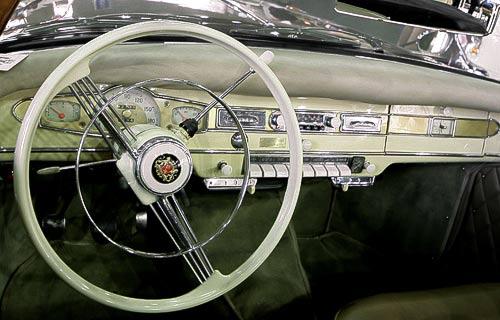 Cockpit des Borgward Isabella Cabrios - der Chic der Sechziger Jahre