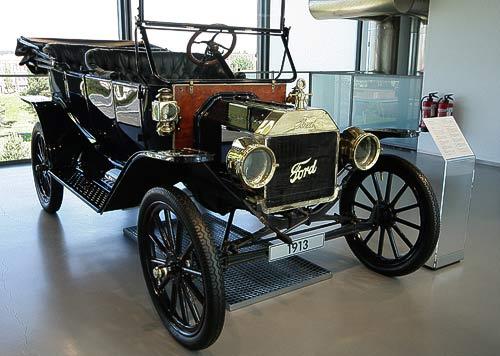 Ford T - Baujahr 1913, im Zeithaus der Autostadt Wolfsburg