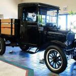 Ford T – 10 Jahre lang nur in der Farbe 'Schwarz' gefertigt.