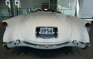 Geschwungenes Design - Heckansicht der ersten Corvette
