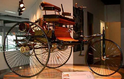 Benz Patent Motorwagen 1886 - Nachbau im Zeithaus der Autostadt