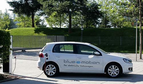 Volkswagen Golf - Blue e-motion