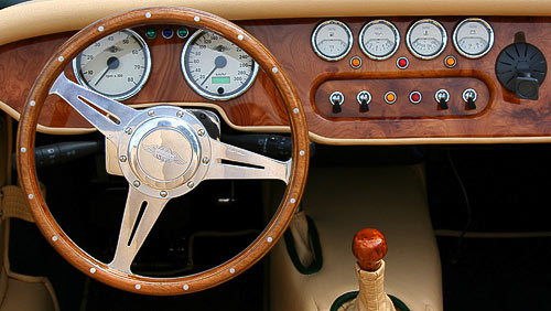 Volant des Morgan Plus 8 - klassisch schön und praktisch
