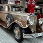 Horch 375 Pullmann-Limousine mit Reihen-Achtzylindermotor