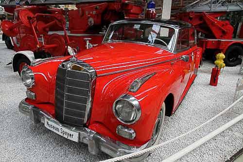 Einsatzfahrzeug Mercedes-Benz 300 D