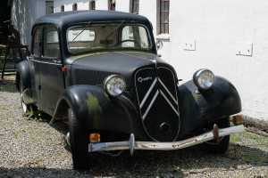 Citroen 11 BL - wartet auf die Aufarbeitung im Sportwagenmuseum