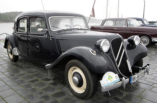 Citroen Traction Avant - Baujahr 1953 am Hafen von Eckernförde