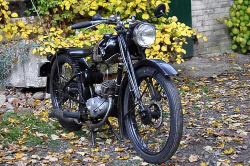 So sah in den Dreissiger Jahren ein modernes, kleines Motorrad aus