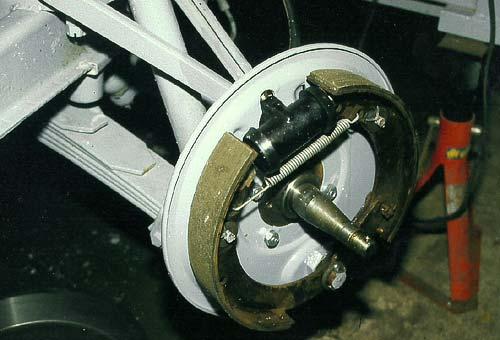 Die erneuerte Trommebremse des Borgward Hansa 1500