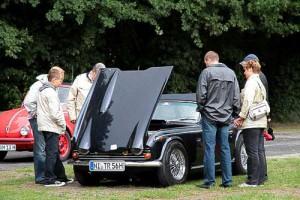 Zieht neugierige Blicke magisch an - der Triumph TR 250