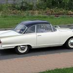 Mit richtigen Heckflossen á la Ford Thunderbird – der Auto Union 1000 Sp