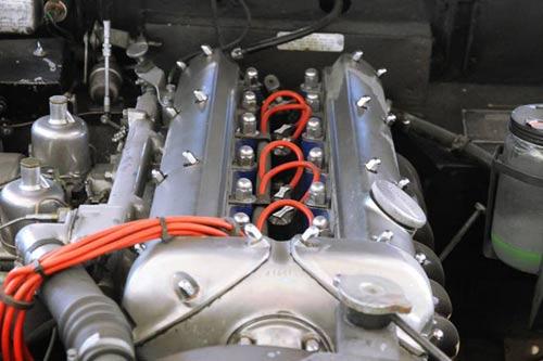 Jaguar Sechszylinder Reihenmotor