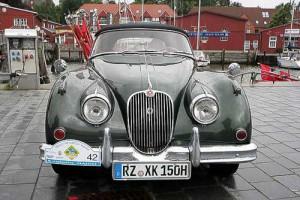 Jaguar XK 150 bei 'Schietwetter' während der Prinz-Heinrich-Fahrt 2011