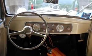 Cockpit des Fiat 500 'Topolino' - einfach, aber zweckmässig