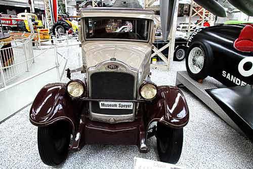 Opel 4 / 16 Limousine - Baujahr 1928 - 4-Zylinder - 1.018 ccm - 16 PS