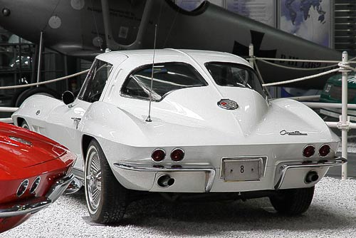 Chevrolet Corvette C 2 Sting Ray - Split Window Coupé - 5,4 l V 8 mit 340 PS - Baujahr 1963