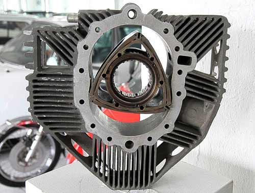 Wankelmotor - Querschnitt