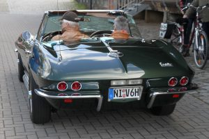 chevrolet-corvette-sting-ray-convertible