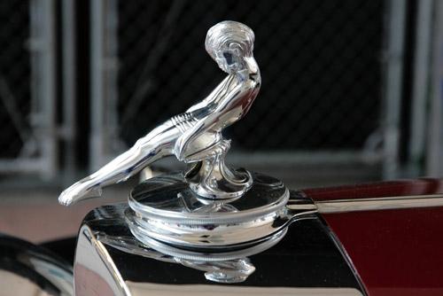 Packard-Kühlerfigur 'Gleitender Jüngling'