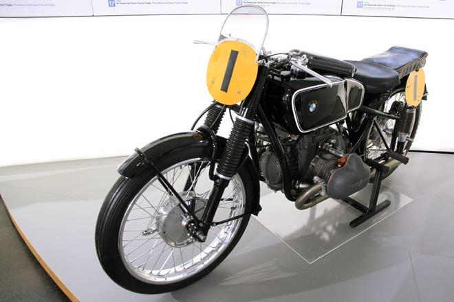 BMW - Renn-Motorrad RS 255