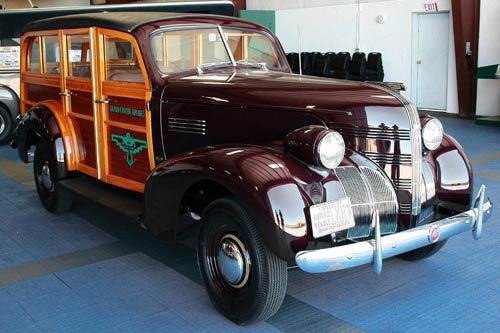 Pontiac-Series6EA-Quality-DeLuxe-Station- Wagon