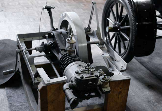 curved-dash-motor-1902