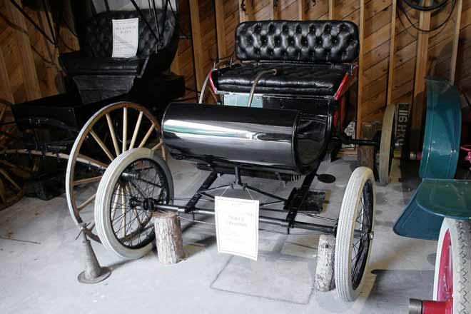 1902-oldsmobile-curved-dash-r